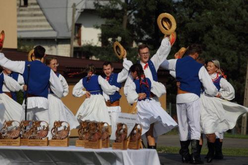 Zespół folklorystyczny Rzepioki podczas występów